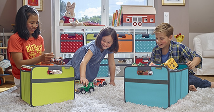 Kids in Playroom with Ikea shelves and toys Banner blog 700 x 366